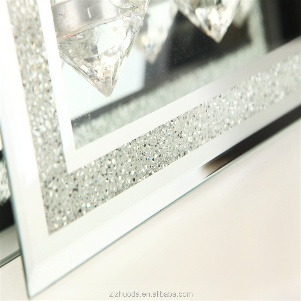 Popular Diamond style tealight candle holder for Candlelight dinner