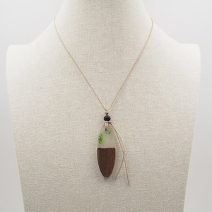 Factory Wholesale Price vintage wood resin pendant necklace