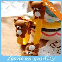 high quality micro injection 3d rubber pvc new silicone retractable cable bear earphone winder with buttons