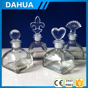 Square glass aroma bottle with acrylic cap