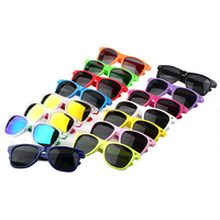 2016 classic style plastic wholesale cheap Promotional item sunglasses with custom logo design
