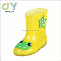Hot selling summer cheap cartoon PVC rain boots for kids