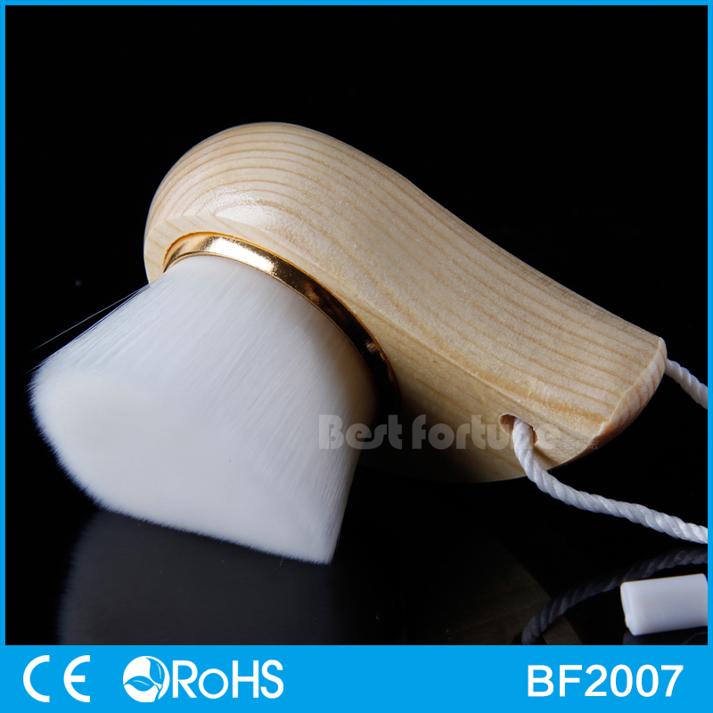 Soft Wooden Handle face cleaning brush with low price