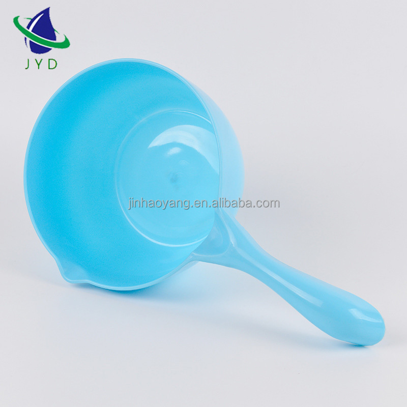 pp wholesale Water ladle kitchen use plastic long handle water scoop cheap water scoop with high quality
