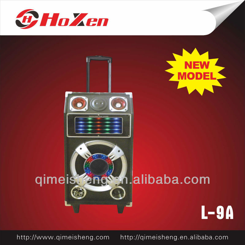 PA system speaker with rechargeable battery