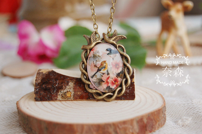 L1022 custom necklace Forest series retro bird and flower print glass necklace ornaments