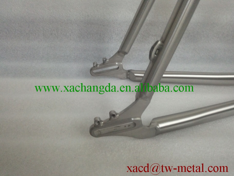titanium road bike frame with special design custom titanium road bike frame wirh light weight road bike