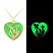 Green Color Heart Flower Glowing Necklace Fluorescent Glowing Jewelry