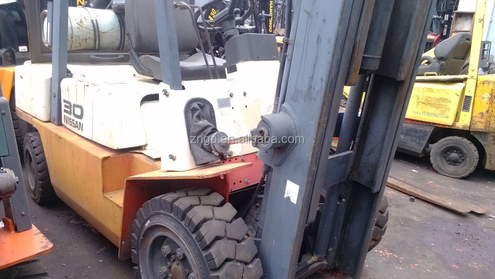 used diesel engine Nissan 3tt forklift with diesel engine second hand Nissan 3t lifter for sale