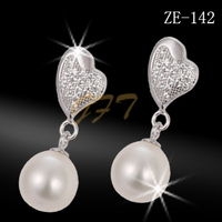 Beautiful charms heart shape 925 silver pearl earring