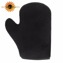 Flawless self tanning mitt applicator glove for spray the lotion on body