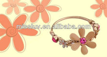 Europe stars street snap bracelets,big-name camellia diamante bracelets,shiny noble drip bracelets
