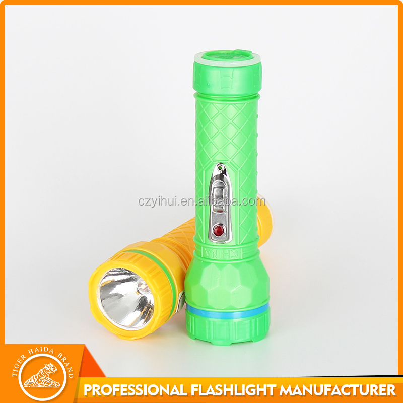Cheap led plastic flashlight,dry battery powered plastic torch