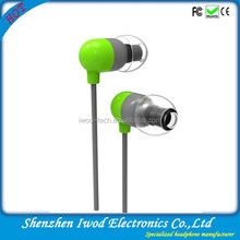 Latest Alibaba item fashion earphones and headphones with plastic headphone cover and 3.5mm earplug
