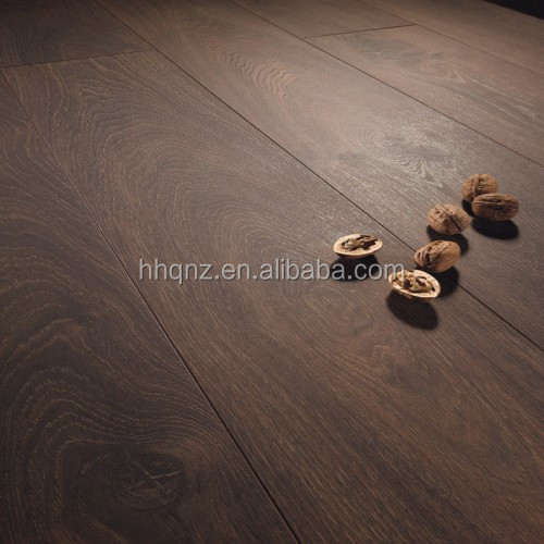 Rugged Oak 2 strip knotty Engineered Flooring