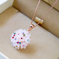 Hot sell white color plastic ball pendant jewelry necklace, fashion jewelry flower design jewelry with colorful crystal
