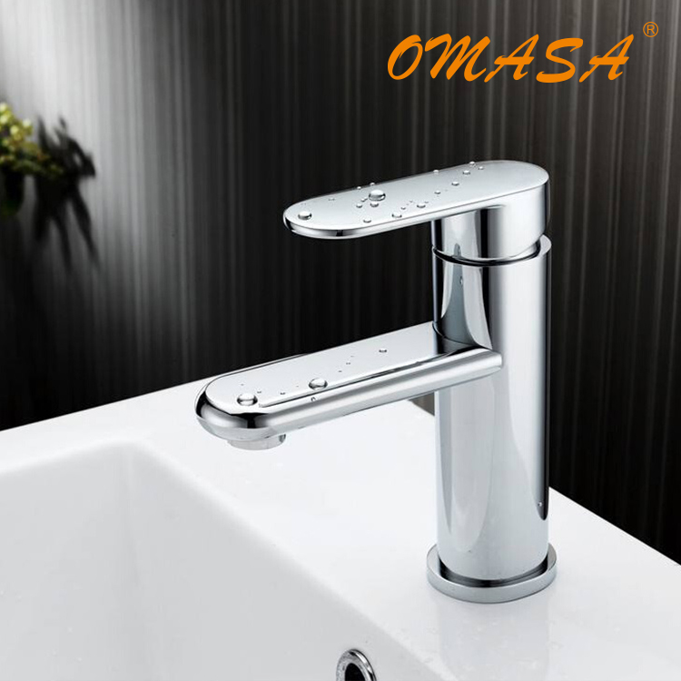 2017 Fashion Style High Quality Brushed Chrome Waterfall Bathroom Basin Faucet Single Handle Sink Mixer Tap Hot Search