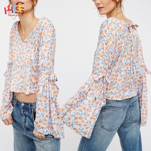 Latest Fashion Printed Blouse Design Cutting Stitching V Neckline Bell Sleeves Blouse HSt7453
