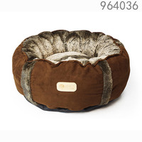 Hot selling famous high quality and washable luxury cool America style pet bed for dog rosey form