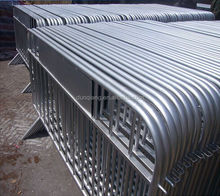 Hot sale interlock oncert crowd control barrier/retractable safety barriers/galvanized barrier
