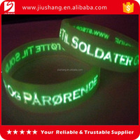 2016 popular large size silicone bangles with embossed logo
