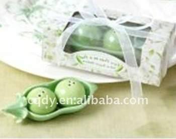 Two peas in a pod salt and pepper shaker favors wedding favor wedding supply buy wedding favor - Two peas in a pod salt and pepper shakers ...