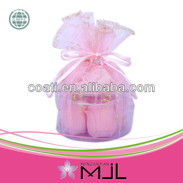 Pretty pink Bath Confetti Roses pack of 6pcs in PVC box with organza pouch