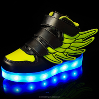 Guangdong supplier led glowing light up kids shoes with wings logo