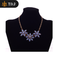 New Type Top Sale 18k Gold Newest Resin Flower Design Women Magnetic Gold Necklace