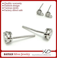 XD P109 Anallergisch 925 Sterling Silver Stud Earrings with Zircon