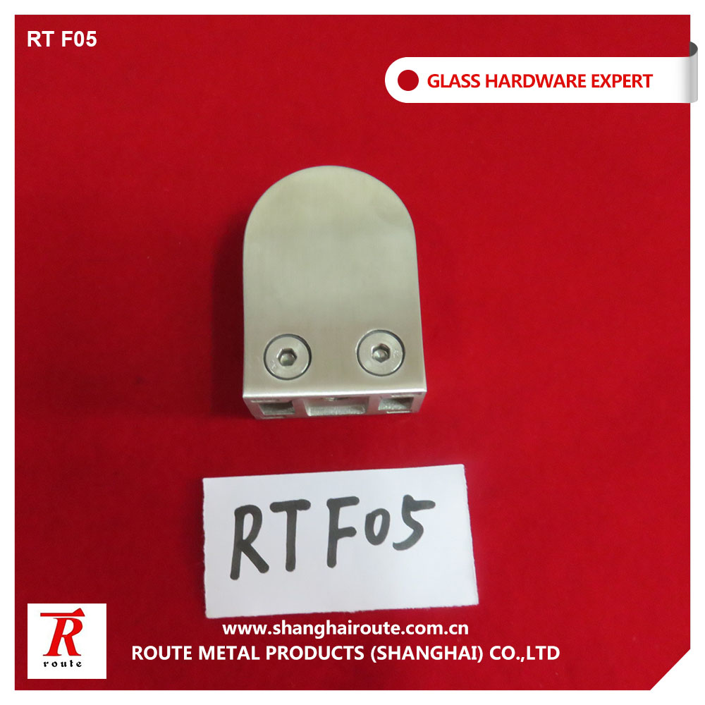 Stainless steel glass clamp for curtain wall system