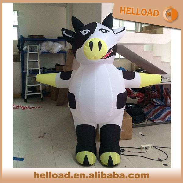 wholesale 2m tall custom made inflatable cow walking costume without logo