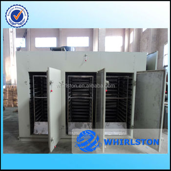 Energy-saving fruit drying oven with self-cleaning control