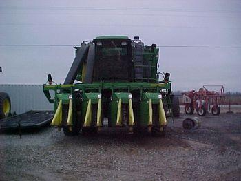 cotton picking machine