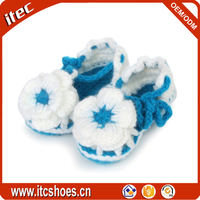 Wholesale infant flower knit sandal latest cute newborn crochet baby shoes