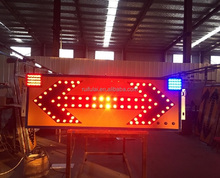 Traffic safety solar led road construction outdoor arrow flashing sign board