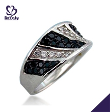 Shiny cheap black and clarity cz thumb ring