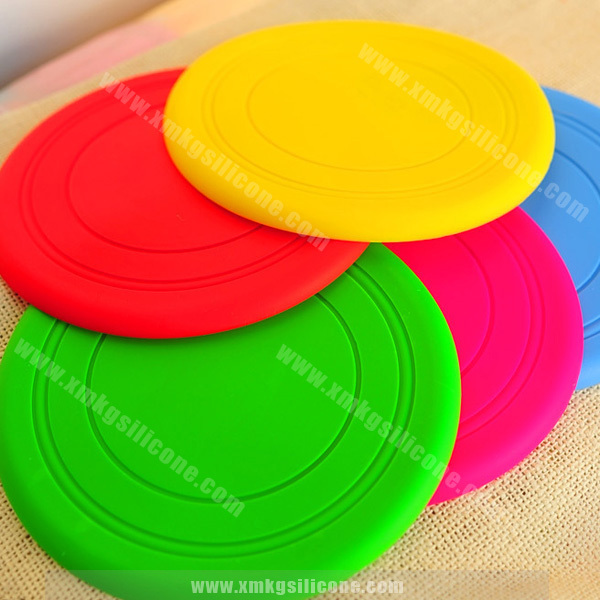 Wholesale Soft Silicone Pet Dog Frisbee Flying Disc Outdoor Dog Training Durable Dog Toy
