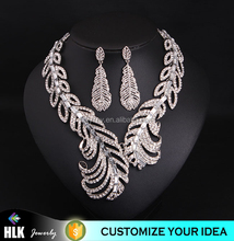 Fashion Silver Plated Feather Charm Crystal Rhinestone Modern Pendant Bib Choker Collar Adjustable Chain Necklace Chunky Jewelry