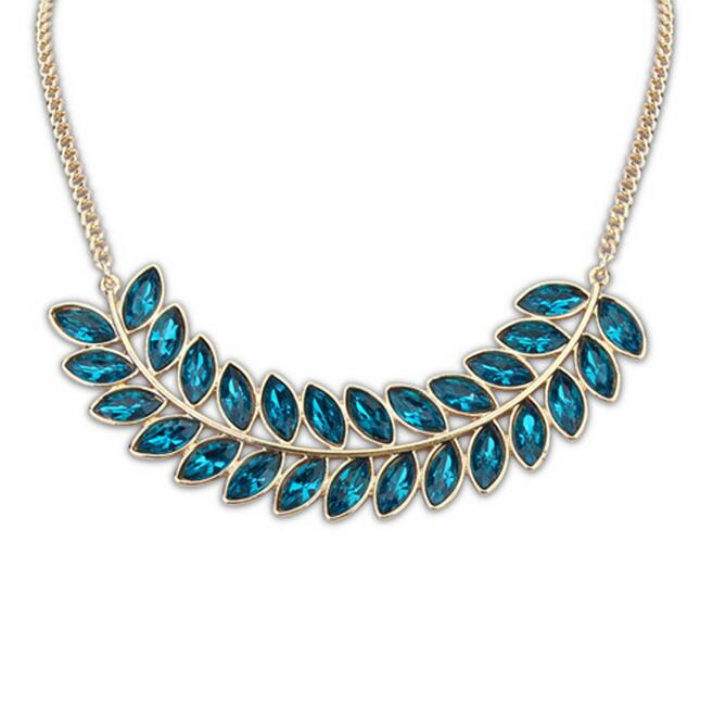 Leaf pendant with clear crystal bib statement collar necklace for women, fashion 2015 hot selling gold leaves charm necklace