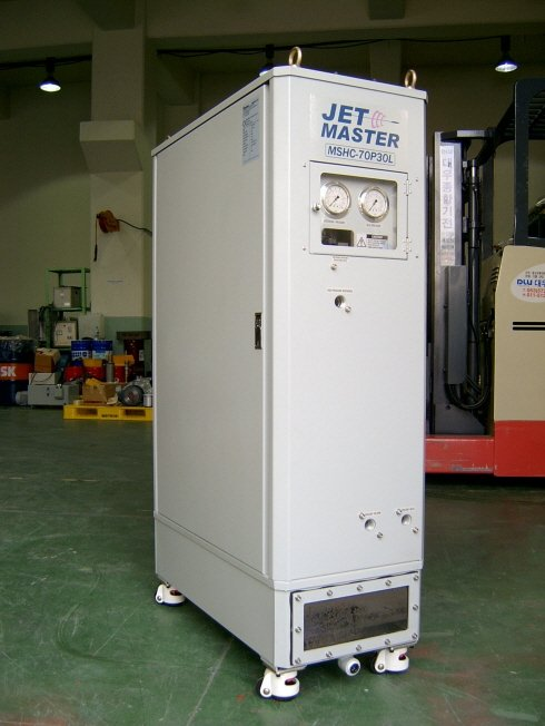 Jetmaster, High pressure coolant feeding system