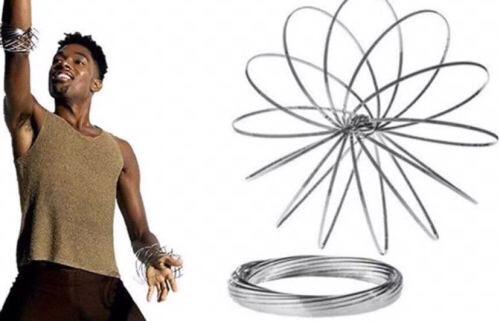 2018 동향 놀라운 뜨거운 3D 장난감 스테인레스 스틸 마법 팔찌 흐르는 링 도매