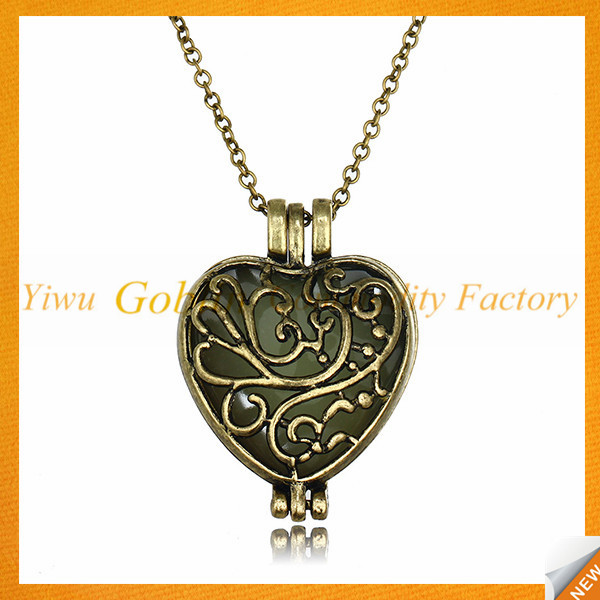 GBIY-176 Luminous necklace pendant glowing in the dark hollow heart necklace silver color chain necklace