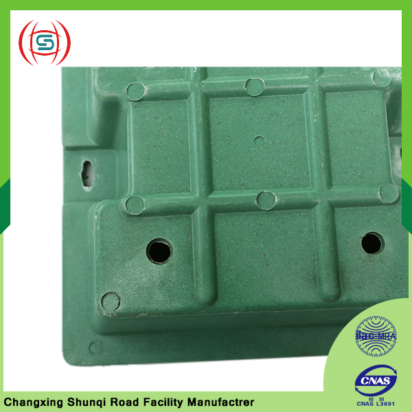Square lawn manhole cover in reasonable price for sale