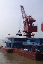 5t barge mountain floating crane with grab