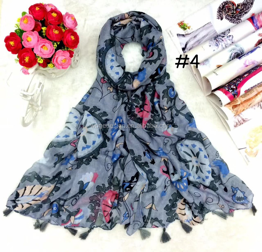 Wholesale new arrival arabe maxi love girl muffler pareo beach towel scarves print circle floral tassel 100%viscose echnic scarf