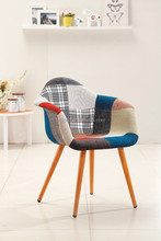 2015 New and Fashionable Design Wooden Chair