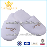 china cheap disposable slippers for hotel guests slipper