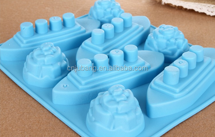 Silicone Titanic Shaped Ice Cube Trays Mold Maker / Silicone funny chocolate mold