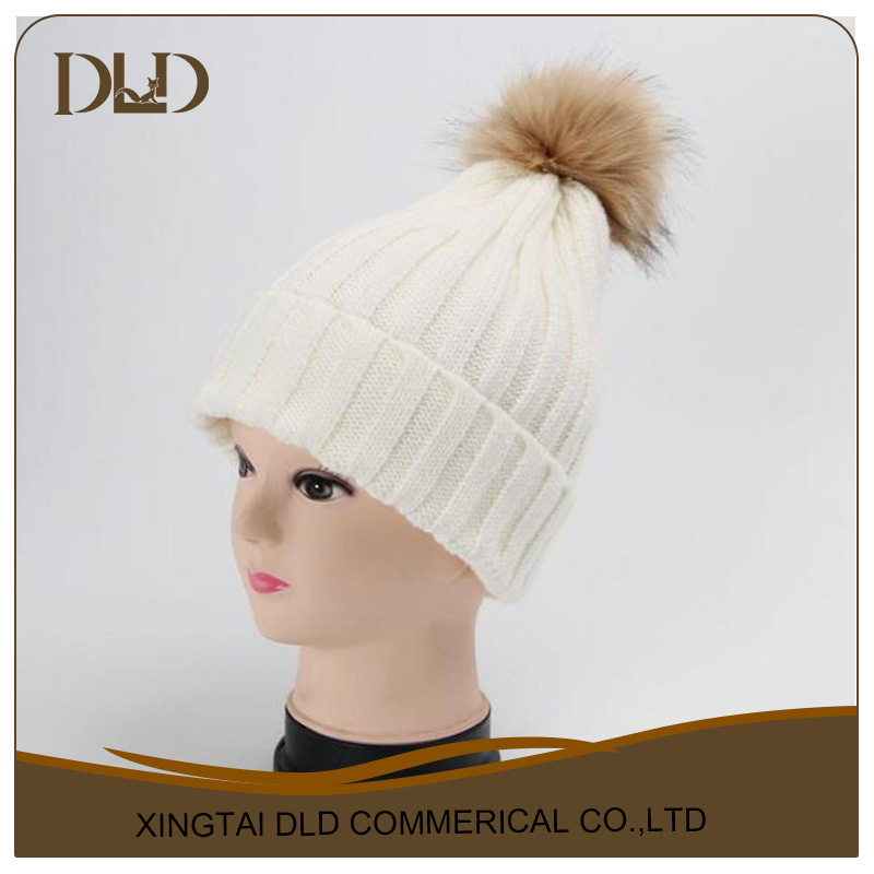 Elegant White Raccoon Fur Pom Poms Attached Wool Knitting Beanie Hat Wholesale